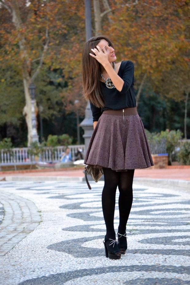 http://traveltofashion.es/2014/12/12/propuestas-para-navidad-i-falda-de-vuelo/